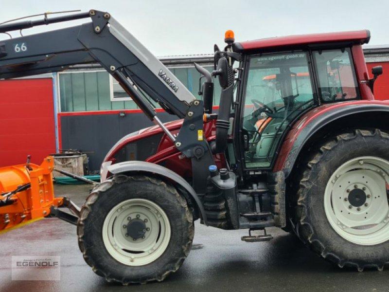 Traktor des Typs Valtra N 143V Winterdienst Miete ab 24,90 / Betriebsstunde, Gebrauchtmaschine in Beselich-Obertiefenbach (Bild 3)