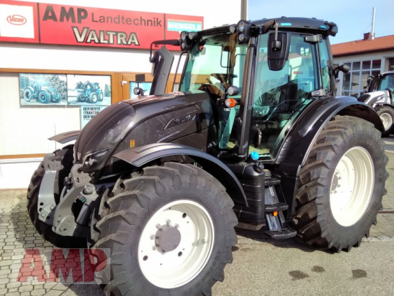 Traktor des Typs Valtra N 154 A, Neumaschine in Teising (Bild 1)