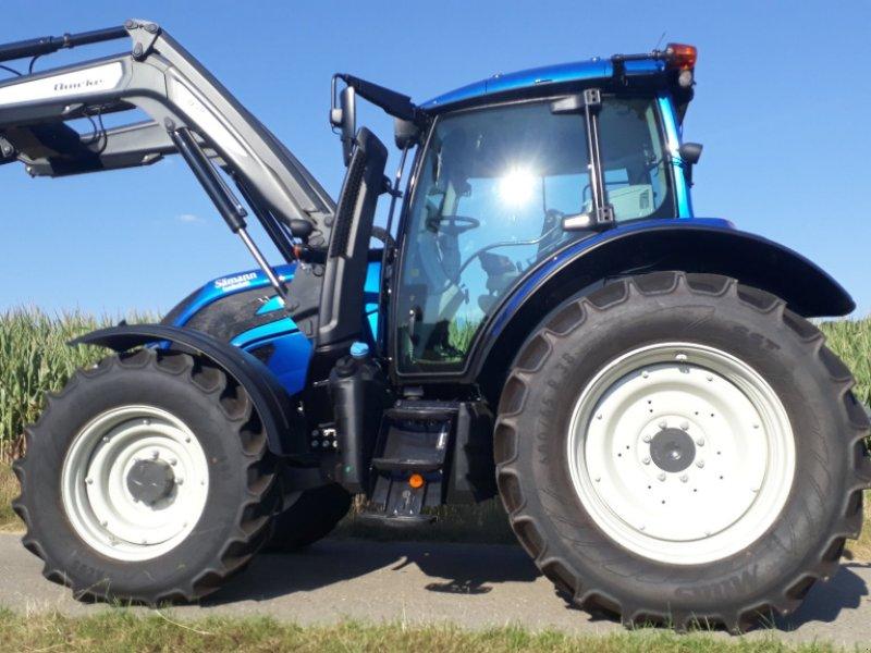 Traktor des Typs Valtra N 154 E V, Gebrauchtmaschine in Uffenheim (Bild 3)