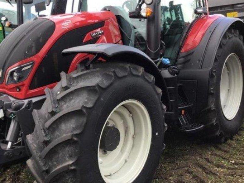 Traktor des Typs Valtra N 154 EA, Vorführmaschine in Kruckow (Bild 1)