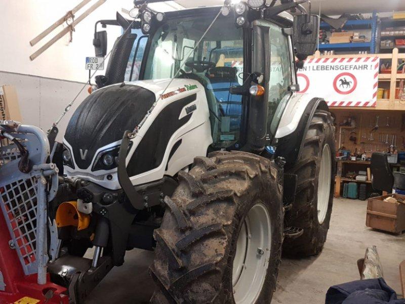 Traktor des Typs Valtra N 154e A, Gebrauchtmaschine in Bodenwöhr/ Taxöldern (Bild 1)