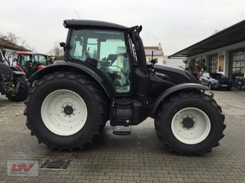 Traktor des Typs Valtra N 174 D 1B7, Neumaschine in Eggenfelden (Bild 1)