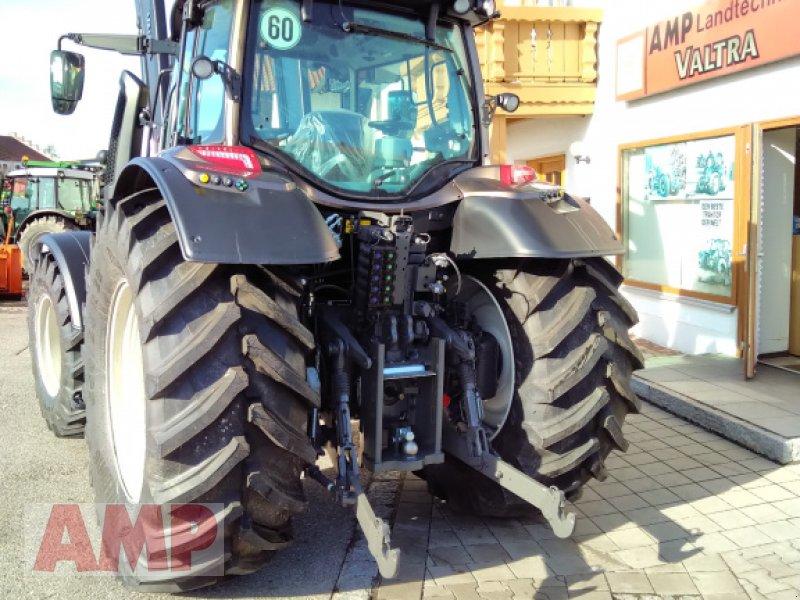 Traktor des Typs Valtra N 174 D, Neumaschine in Teising (Bild 3)