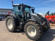 Traktor of the type Valtra N 174, Gebrauchtmaschine in Grantham