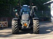 Traktor des Typs Valtra N 174, Neumaschine in Donaueschingen