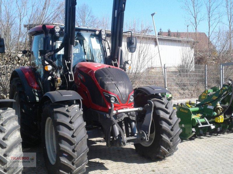 Traktor des Typs Valtra N 174A mit Rüfa und FL, Neumaschine in Mainburg/Wambach (Bild 10)