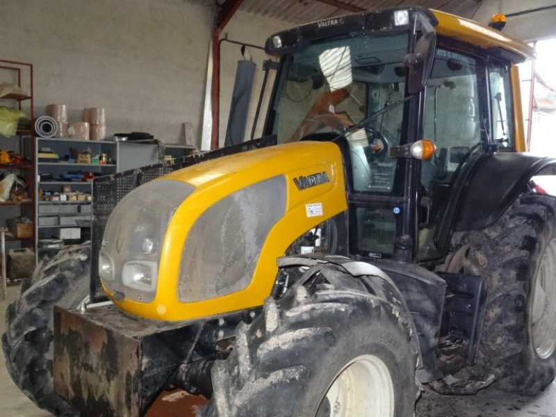 Traktor a típus Valtra N 82, Gebrauchtmaschine ekkor: CALMONT (Kép 1)