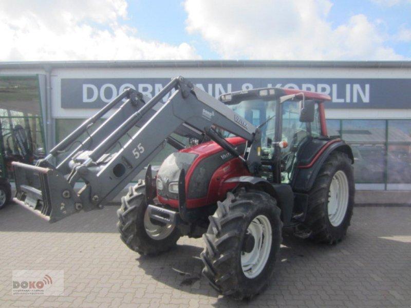 Traktor des Typs Valtra N101, Gebrauchtmaschine in Schoenberg (Bild 1)