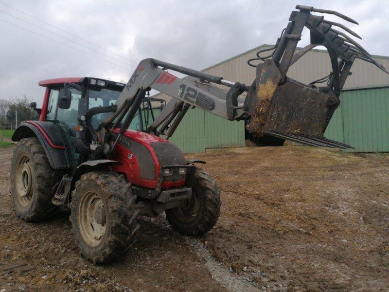 Traktor des Typs Valtra N101, Gebrauchtmaschine in Le Horps (Bild 7)