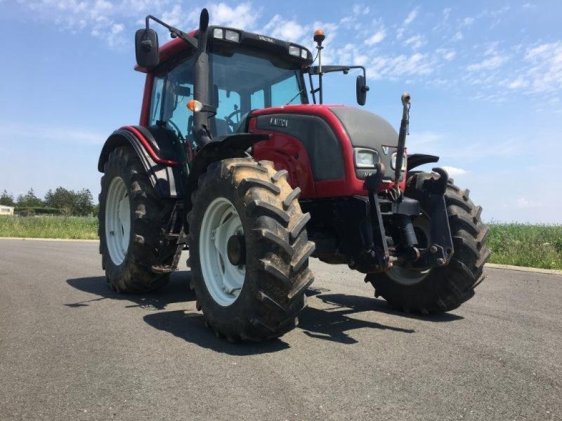 Traktor des Typs Valtra N101, Gebrauchtmaschine in L'ABSIE (Bild 3)