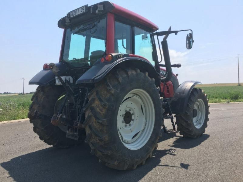 Traktor des Typs Valtra N101, Gebrauchtmaschine in L'ABSIE (Bild 5)