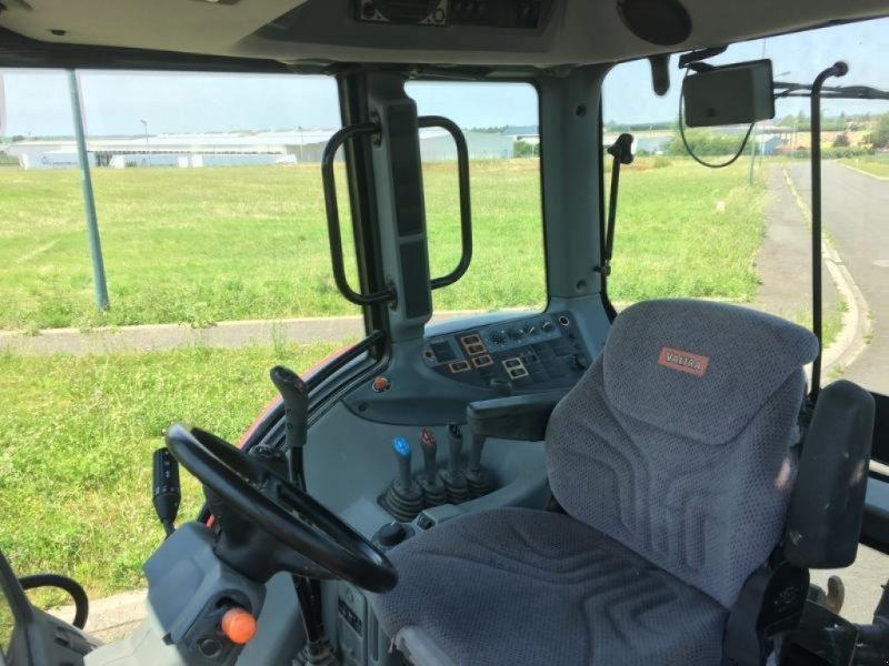 Traktor des Typs Valtra N101, Gebrauchtmaschine in L'ABSIE (Bild 6)