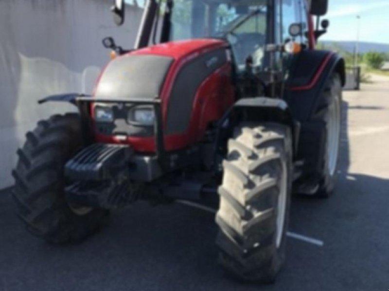 Traktor типа Valtra n101h, Gebrauchtmaschine в ST JEAN DE GONVILLE (Фотография 1)