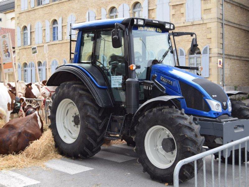 Traktor des Typs Valtra N103H5, Gebrauchtmaschine in Levier (Bild 1)