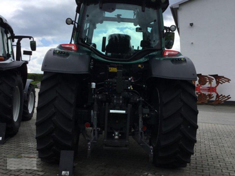 Traktor des Typs Valtra N104H5, Neumaschine in Fürsteneck (Bild 3)