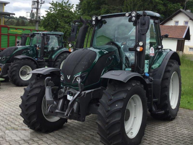 Traktor des Typs Valtra N104H5, Neumaschine in Fürsteneck (Bild 7)