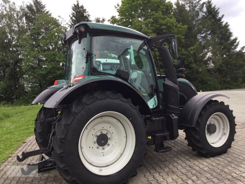 Traktor des Typs Valtra N104H5, Neumaschine in Fürsteneck (Bild 8)