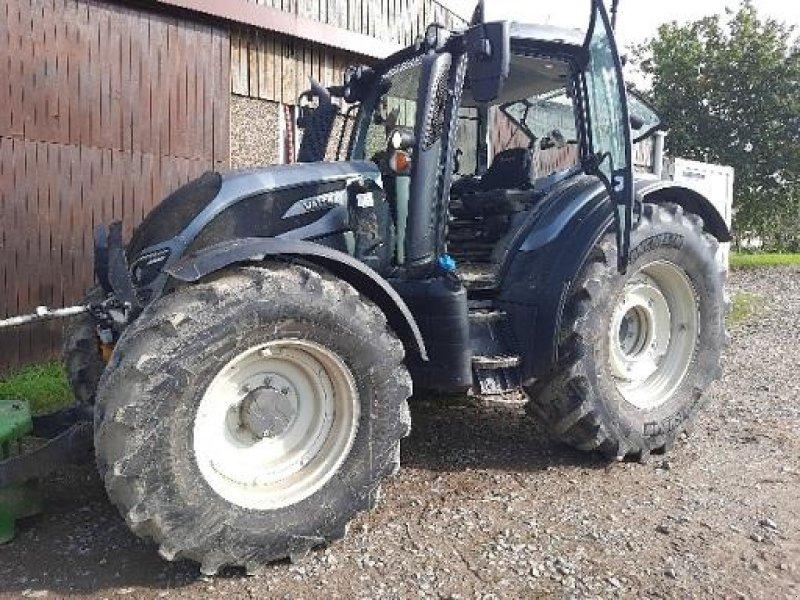 Traktor типа Valtra N134 DIRECT, Gebrauchtmaschine в Wargnies Le Grand (Фотография 1)