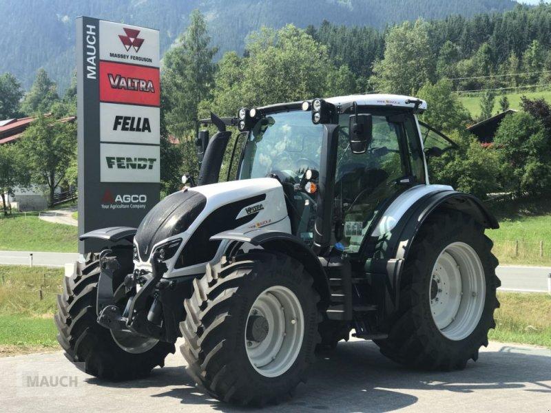 Traktor des Typs Valtra N134 Versu, Neumaschine in Eben (Bild 1)