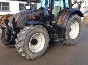 Valtra N142 Traktor