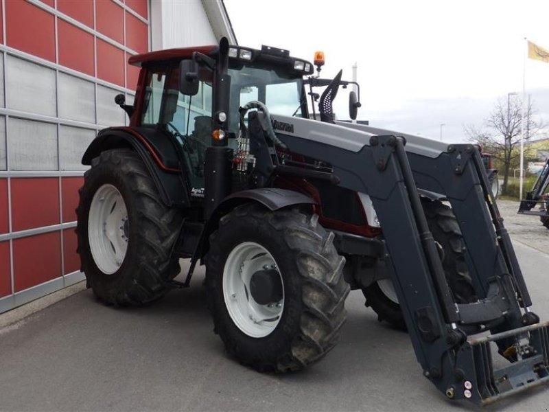 Traktor typu Valtra N143 HiTech, Gebrauchtmaschine w Hobro (Zdjęcie 1)