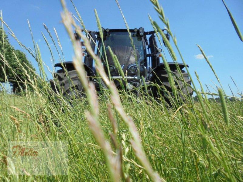 Traktor a típus Valtra N154ED, Neumaschine ekkor: Taaken (Kép 1)