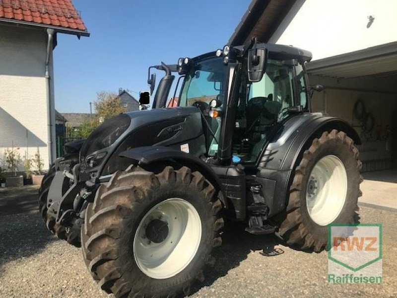 Traktor des Typs Valtra N174 V, Gebrauchtmaschine in Wipperfürth (Bild 1)