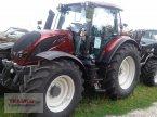 Traktor des Typs Valtra N174A mit Rüfa in Mainburg/Wambach