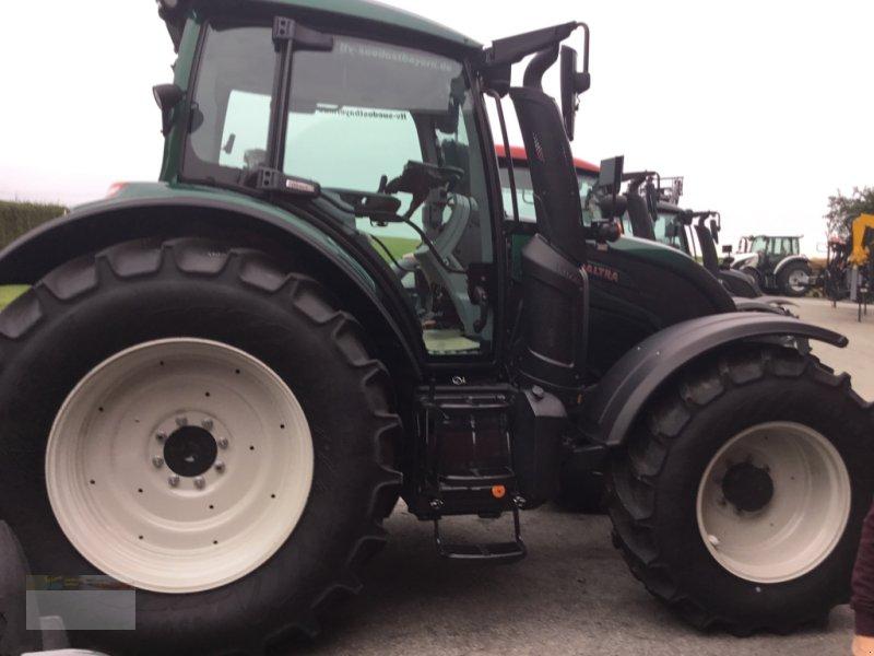 Traktor des Typs Valtra N174D Smart Touch, Neumaschine in Fürsteneck (Bild 4)