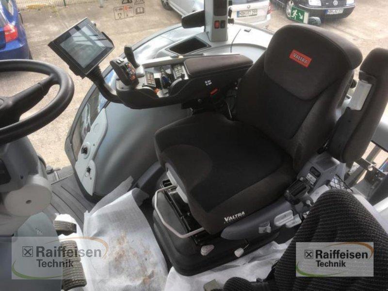 Traktor des Typs Valtra S 374 Smart Touch, Vorführmaschine in Wipperdorf (Bild 7)