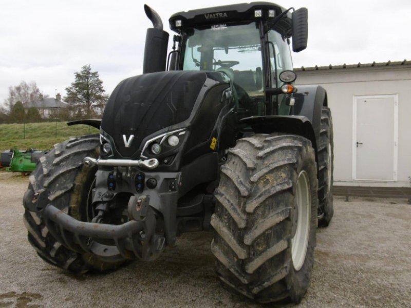 Traktor des Typs Valtra S 374, Gebrauchtmaschine in CALMONT (Bild 1)