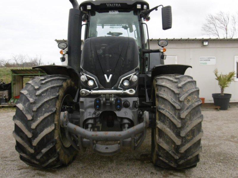 Traktor des Typs Valtra S 374, Gebrauchtmaschine in CALMONT (Bild 2)