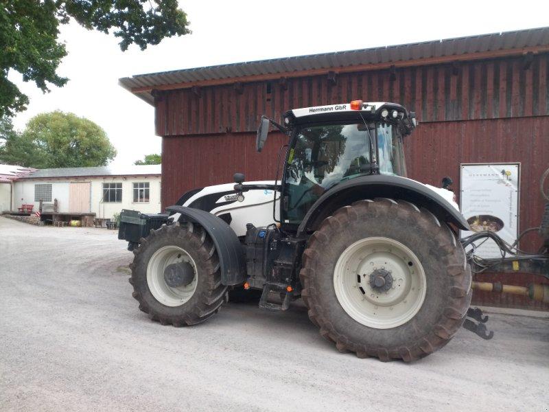 Traktor типа Valtra S 374, Gebrauchtmaschine в Creglingen (Фотография 1)