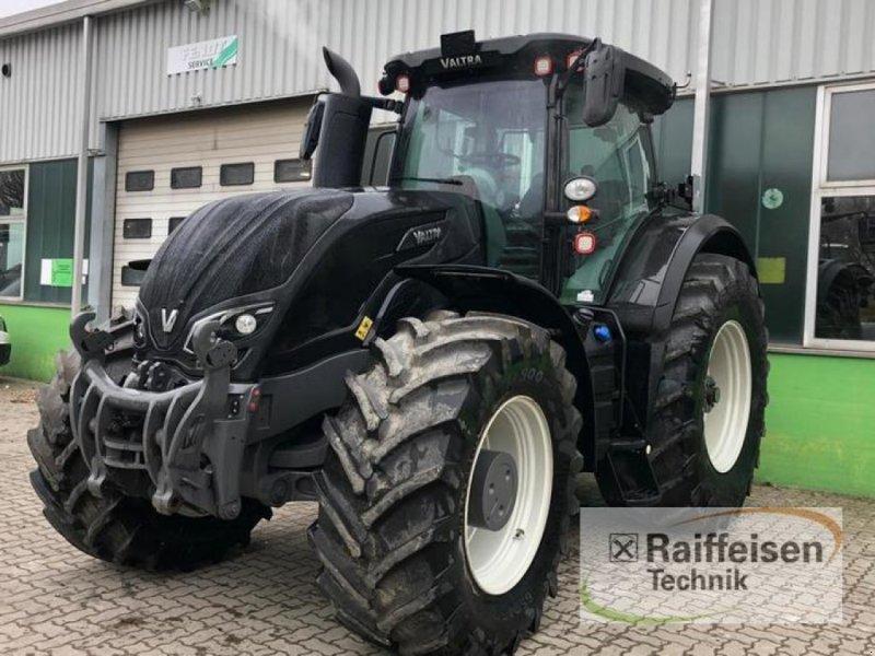 Traktor des Typs Valtra S354, Gebrauchtmaschine in Eutin (Bild 1)