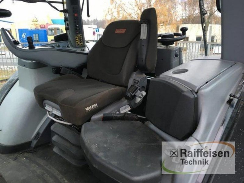 Traktor des Typs Valtra S374, Gebrauchtmaschine in Gadebusch (Bild 14)