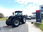 Traktor des Typs Valtra S394 in Neumarkt / Pölling