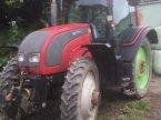 Traktor des Typs Valtra T 141 in Lohe-Rickelshof