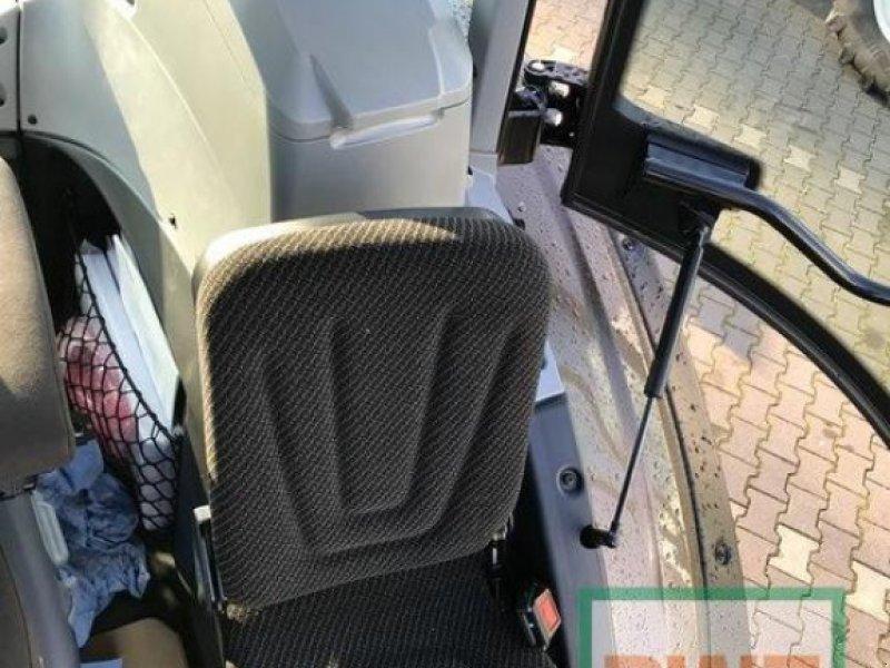 Traktor des Typs Valtra T 174 Direct Smart Touch, Ausstellungsmaschine in Rommerskirchen (Bild 14)