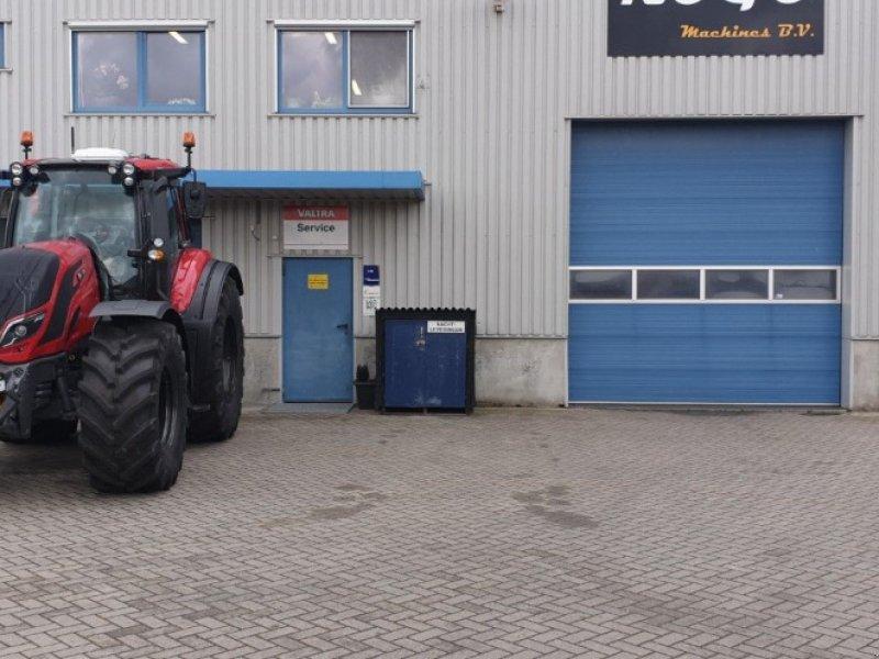 Traktor des Typs Valtra T 174 e Direct SmartTouch Spec, Gebrauchtmaschine in Middelharnis (Bild 3)