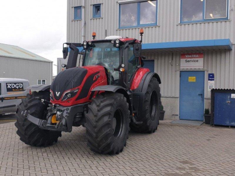 Traktor des Typs Valtra T 174 e Direct SmartTouch Spec, Gebrauchtmaschine in Middelharnis (Bild 2)