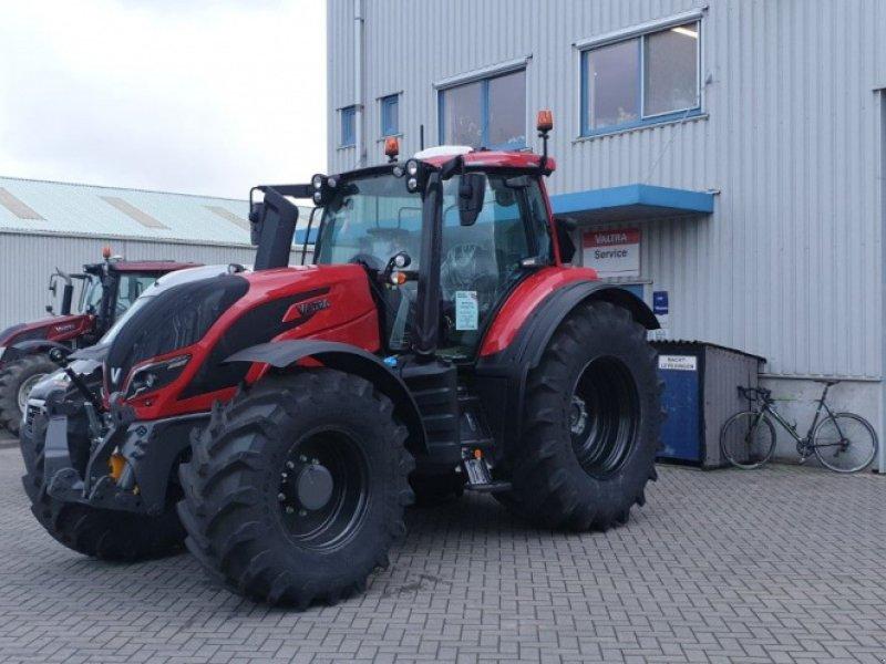 Traktor des Typs Valtra T 174 e Direct SmartTouch Spec, Gebrauchtmaschine in Middelharnis (Bild 4)