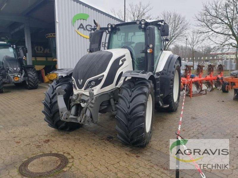 Traktor des Typs Valtra T 174 EA ACTIVE, Gebrauchtmaschine in Schneverdingen (Bild 1)