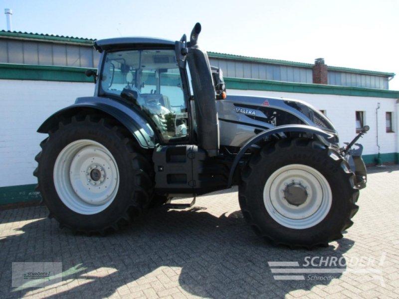 Traktor des Typs Valtra T 174 EA MR, Gebrauchtmaschine in Schwarmstedt (Bild 1)