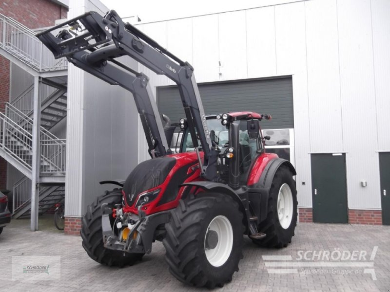 Traktor of the type Valtra T 174 ED, Gebrauchtmaschine in Völkersen (Picture 1)