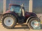 Traktor des Typs Valtra T 174 EV in Lorsch
