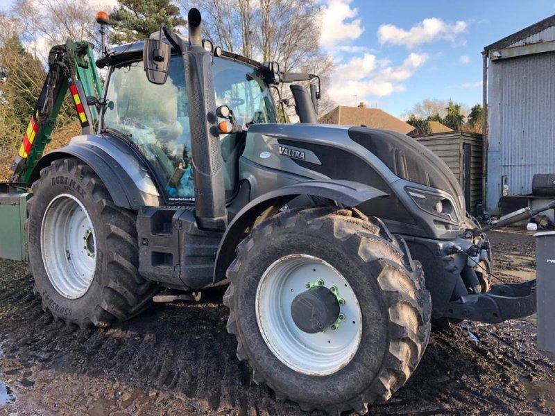 Traktor des Typs Valtra T 174 eV, Gebrauchtmaschine in CHELMSFORD (Bild 1)