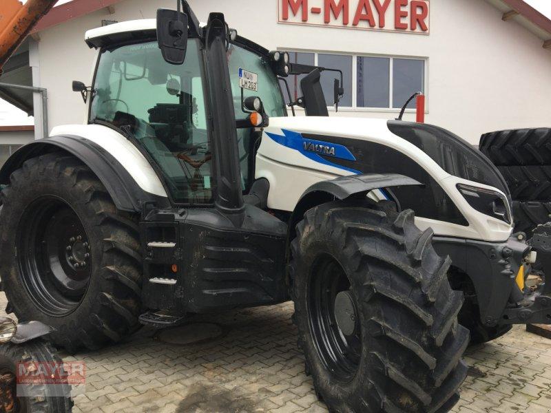 Traktor des Typs Valtra T 174, Neumaschine in Unterroth (Bild 1)