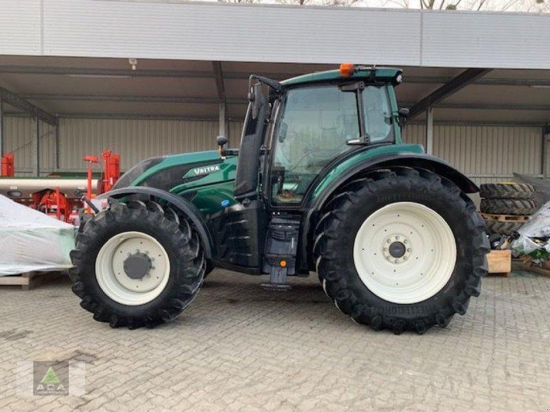 Traktor des Typs Valtra T 174e Direct, Vorführmaschine in Markt Hartmannsdorf (Bild 2)