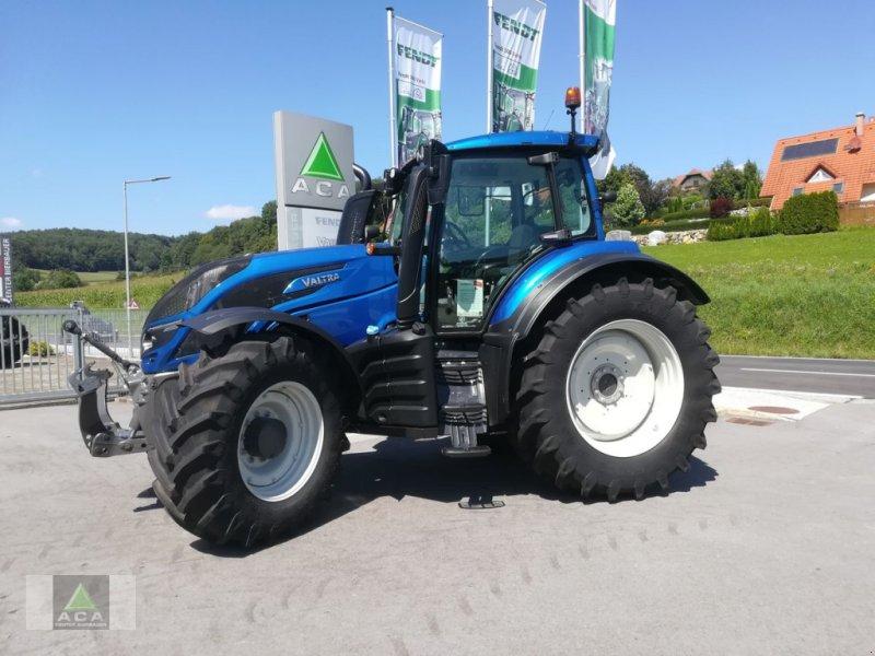 Traktor des Typs Valtra T 174e Versu, Neumaschine in Markt Hartmannsdorf (Bild 1)