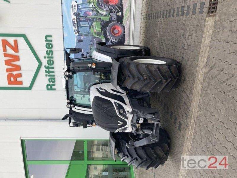 Traktor des Typs Valtra T 194V, Neumaschine in Gundersheim (Bild 13)